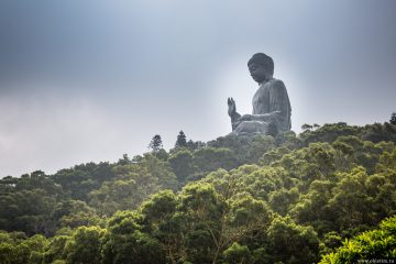 Большой Будда на острове Лантау в Гонконге