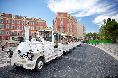 Экскурсионный мини-поезд в Ницце