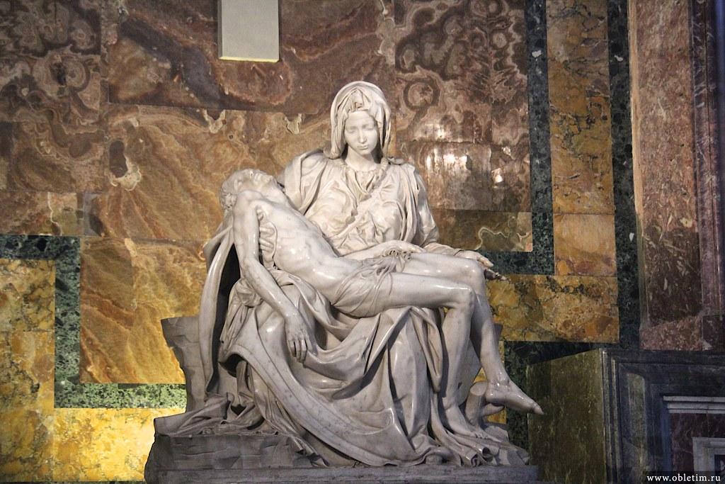 Статуя Микеланджело «Оплакивание Христа»