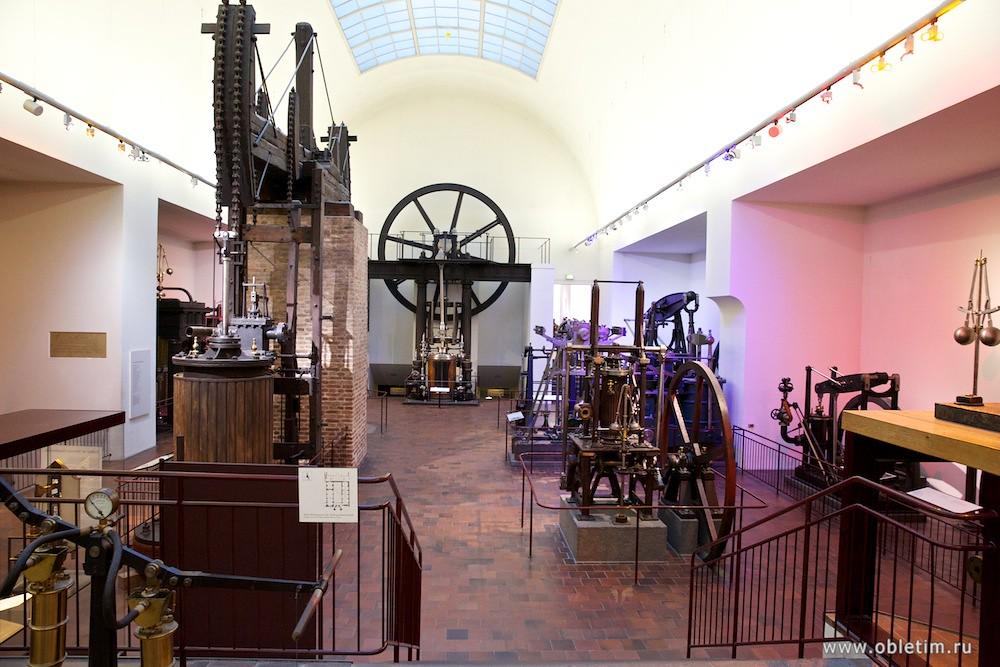 Немецкий музей - развитие мощностей двигателей