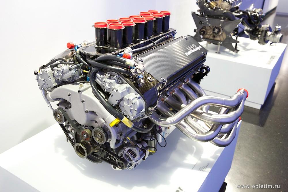 Двигатели для гоночных машин BMW
